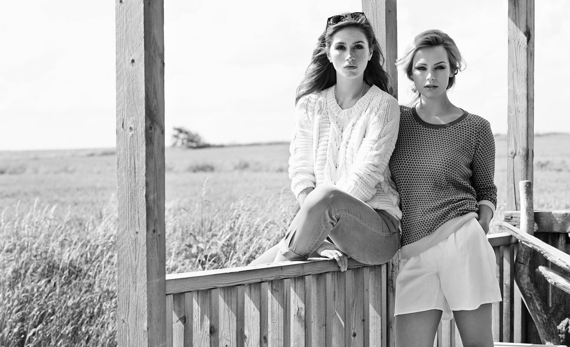 women's fashionable knitwear ss'16