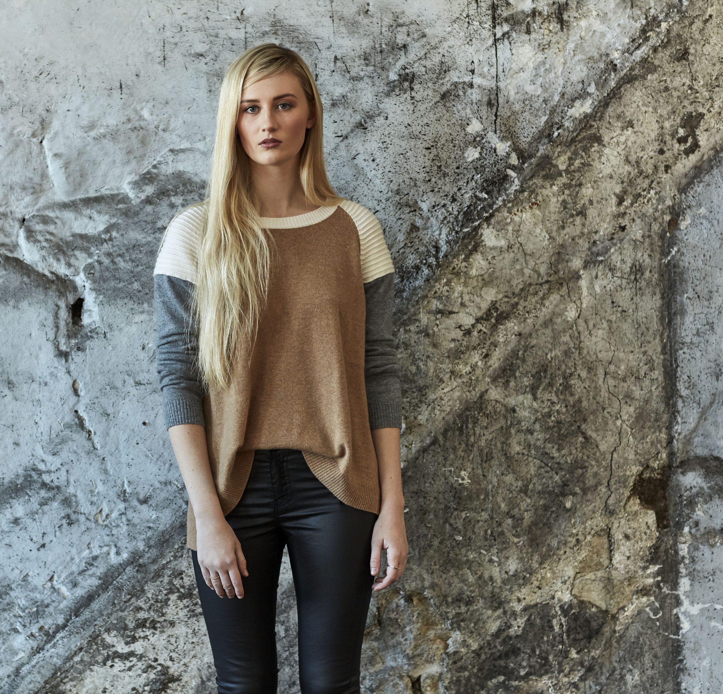 Needle women's fashionable knitwear