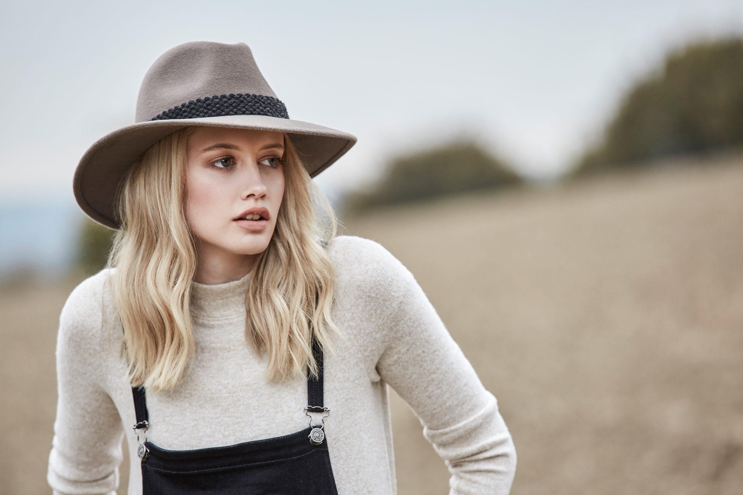 Women's Fashionable Hats
